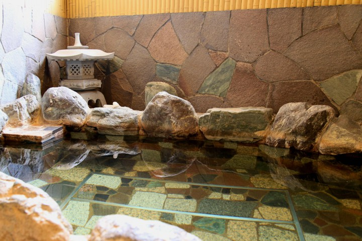 若松湯岩風呂